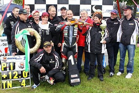 Sieg im internationalen Motorsport für das Racing Team Germany Suzuki Müller IRRC 2010