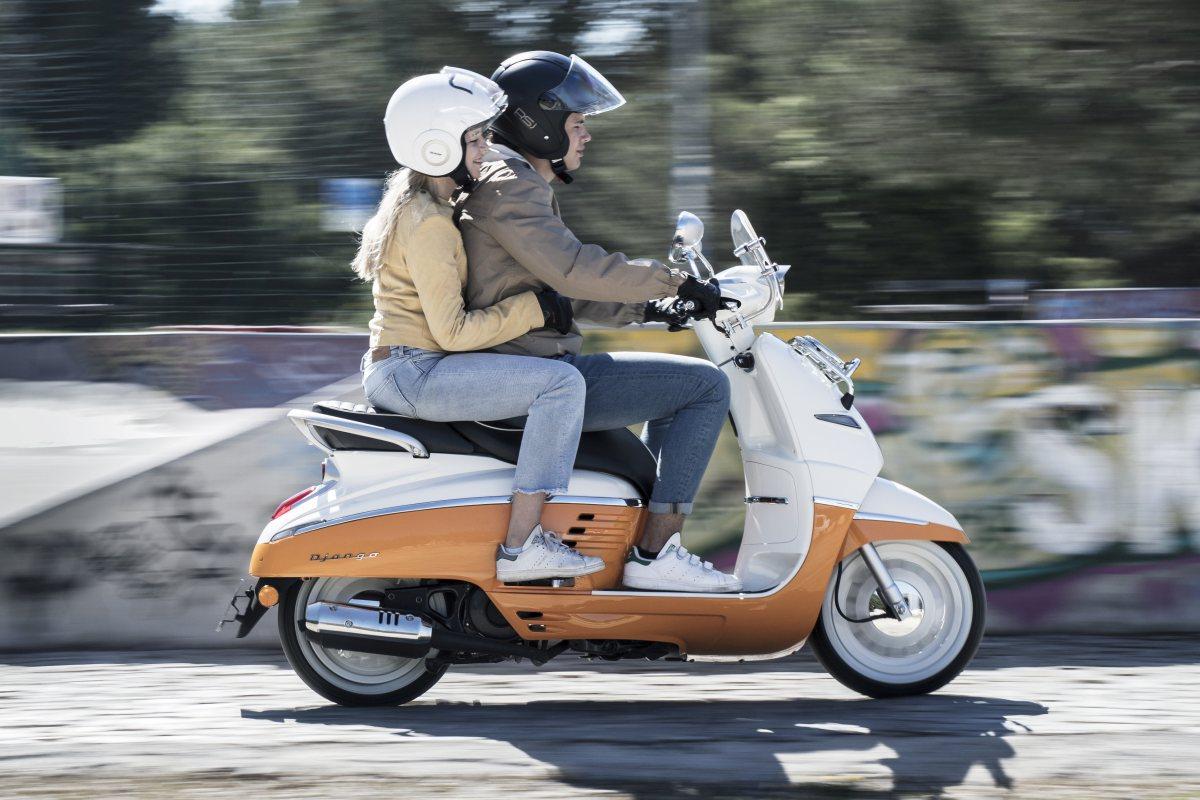 Roller Peugeot Django 125 Evasion weiss orange